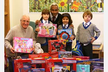 Bolton Lions collect xmas gifts