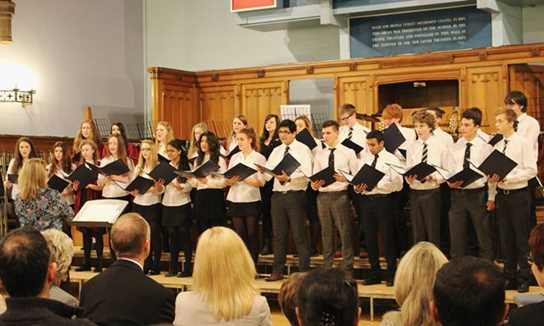 The joint Senior Chamber Choir gave a lovely performance