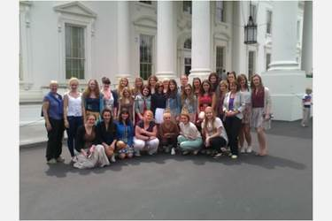 USA Trip girls outside the White House