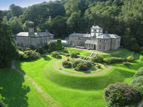 Patterdale Hall is idyllically located on the southern shores of Lake Ullswater