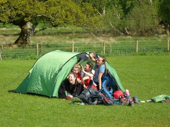 Year 9 Girls Rise to Duke of Edinburgh Challenge
