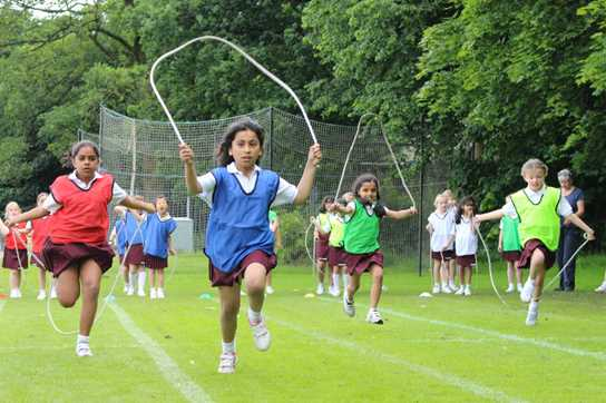 A skipping race