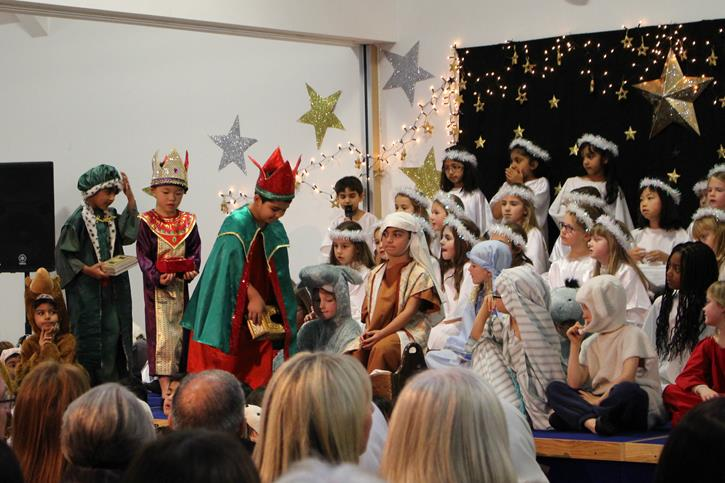 Years 1-2 Carol Concert Nativity 2016 wise men