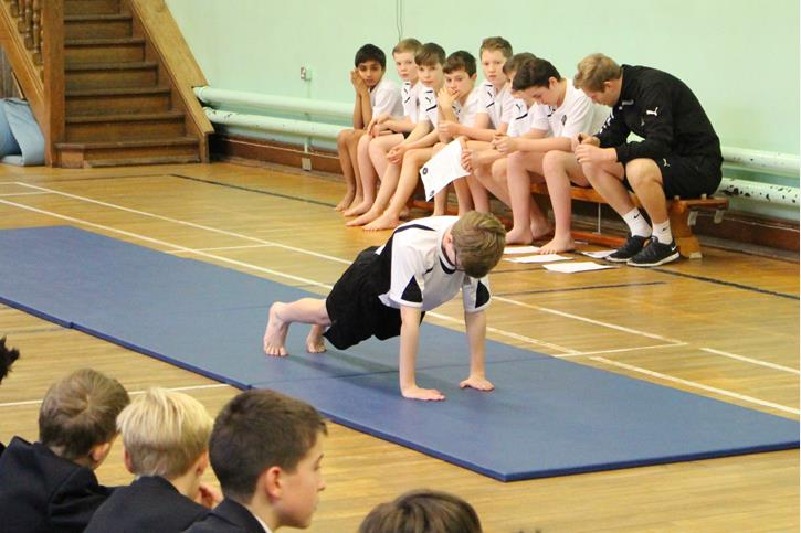 Y7 Gymnastics Final 2016 Push Up