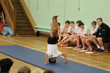 Y7 Gymnastics Final 2016 Headstand landscape