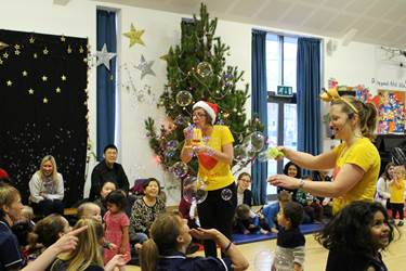 Rhythm Time Xmas 2016 bubbles dancing
