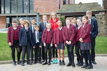 Eilish McColgan with pupils