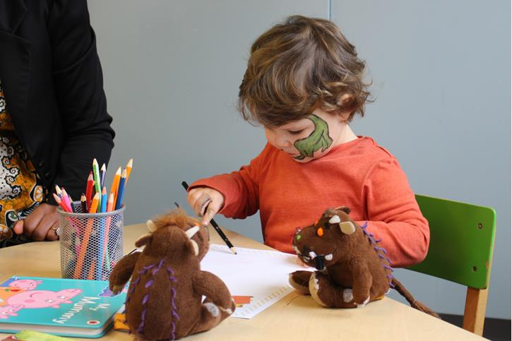 World Book Day - Tweenies draw with Gruffalos