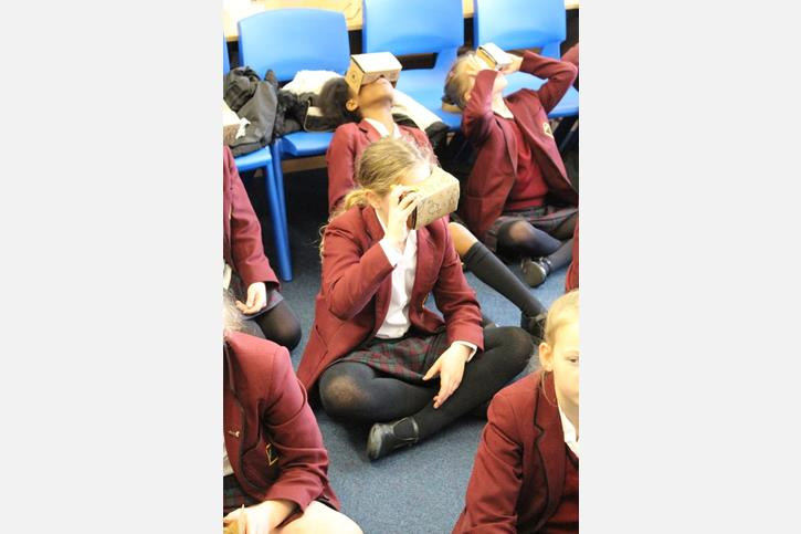 Google Expeditions - Junior Girls Explore