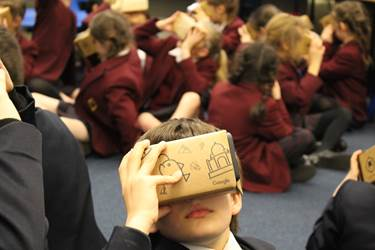 Google Expeditions - Junior School pupils discovered virtual locations together