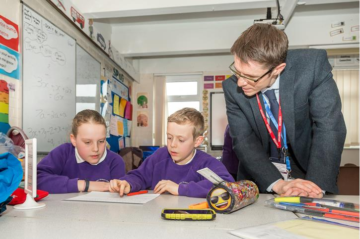 Local Maths Tuition - Mr Wrigley with Lostock Primary pupils