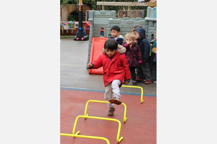 Sport Relief - Stepping over hurdles