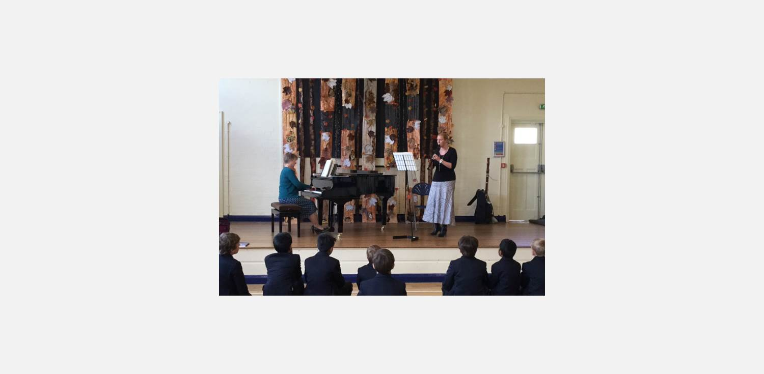Lunchtime Concert Miss Ormerod Flute