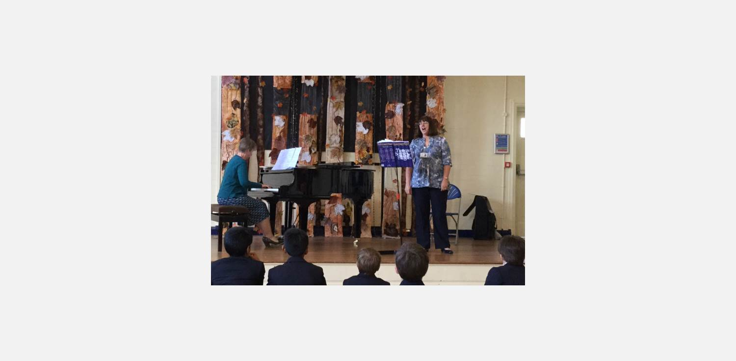 Lunchtime Concert Mrs Ives Singing