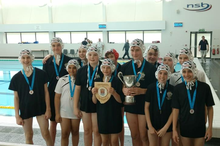 Water Polo Triple Triple - U13 team with trophies