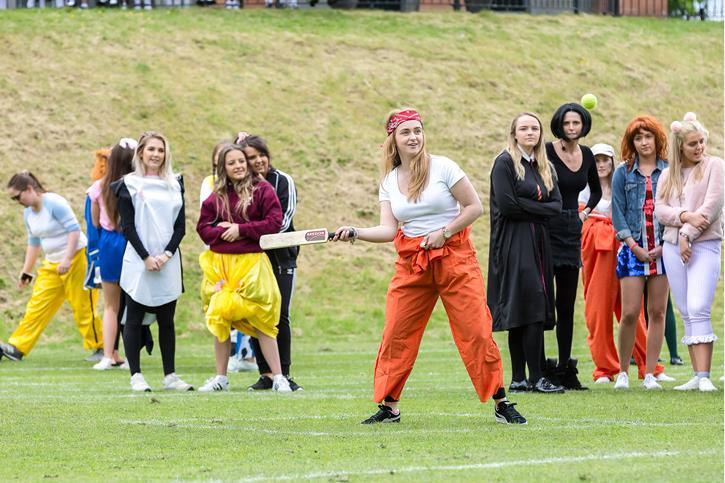 Leavers' Day 2017 - Holes Rounders