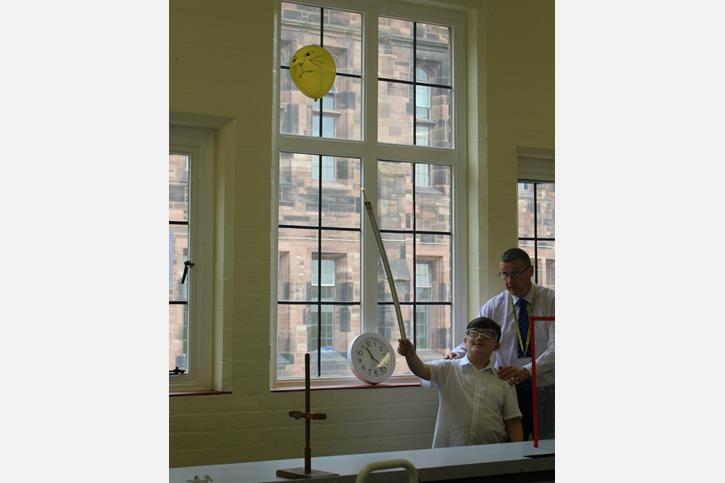 Thomasson Memorial Science Lessons - popping a balloon