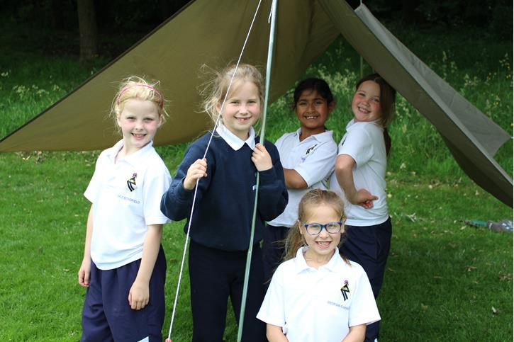 Y3 Outdoor Learning - girls in shelter