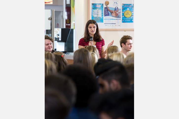 Recent Leavers Advice - Old Girl addressed Sixth Form