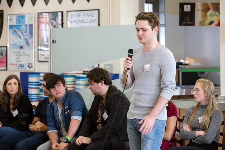 Recent Leavers Advice - Old Boy addresses Sixth Form