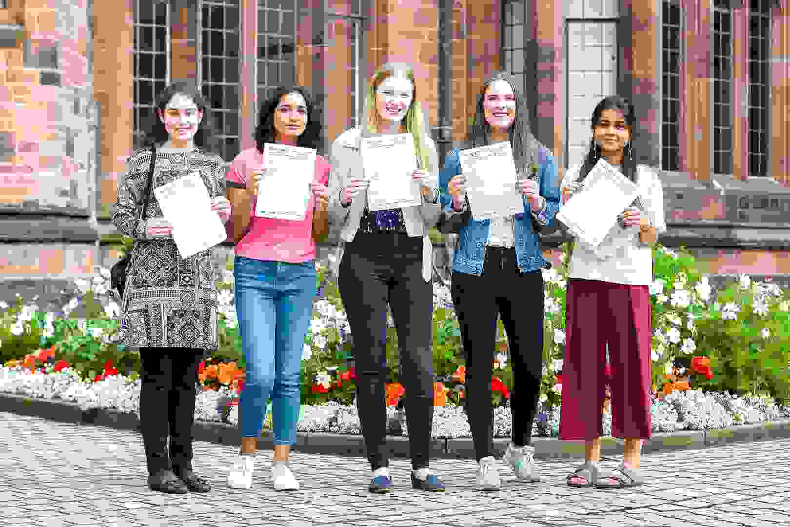A Level Results Day 2017 Oxbridge girls
