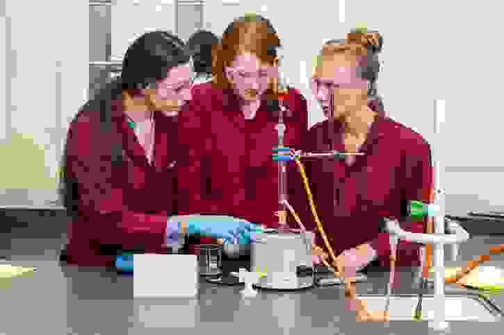 6th Form Girls in Science lesson