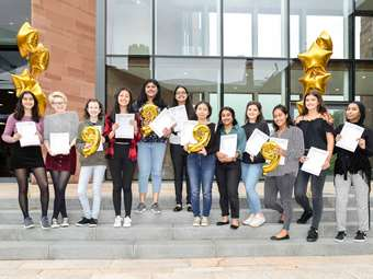 GD GCSE Results Day group KKP-000580