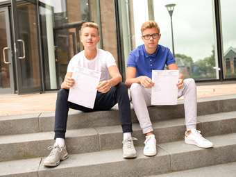 BD GCSE Results Day De Blainsin Twins KKP-000560