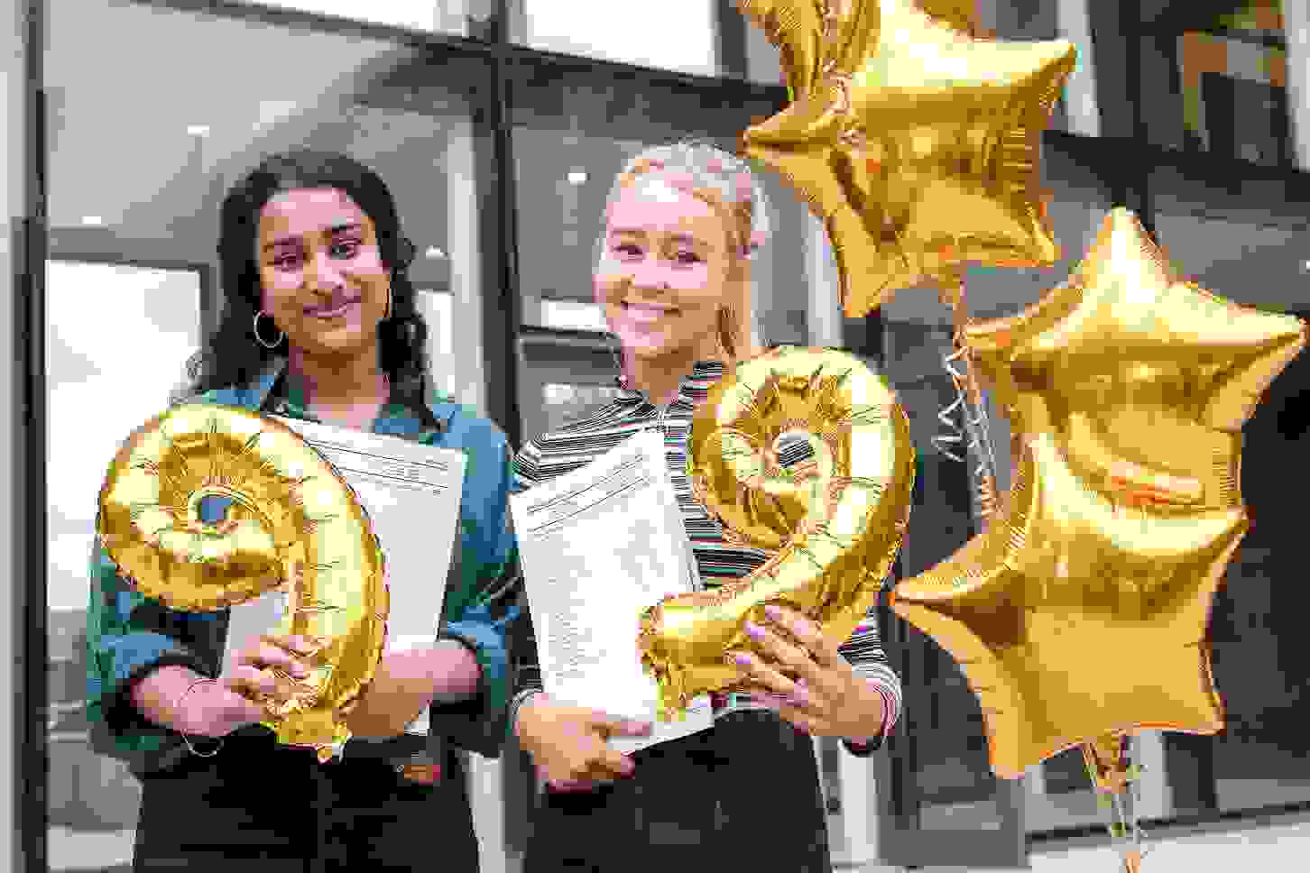 GD GCSE Results Day Wigan girls KKP-000596