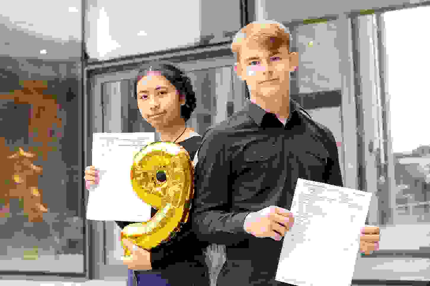 GCSE Results Day Worsley pupils KKP-000601