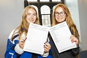 GD GCSE Results Day KKP-000400