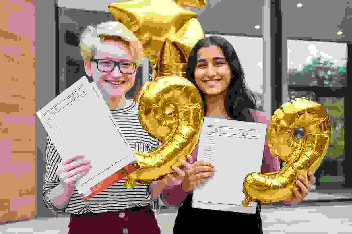 GD GCSE Results Day high achievers KKP-000589